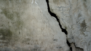 Foundation crack at a house in Glencoe, Illionis