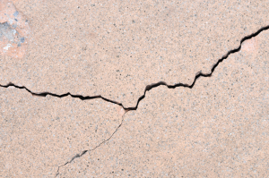 cracked-home-foundation-wall